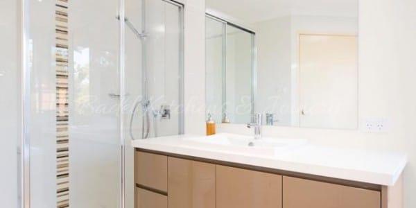 Glass shower walls with semi frameless shower