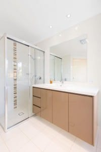Glass shower walls with semi frameless shower