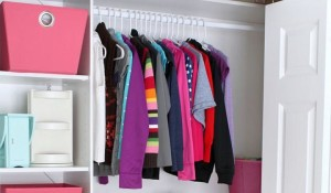 clothes hanger wardrobe tips