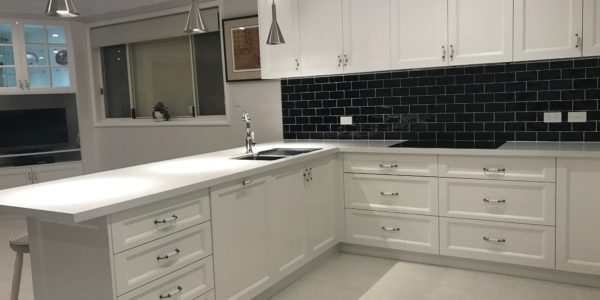 Ettalong Beach kitchen custom counter and drawers