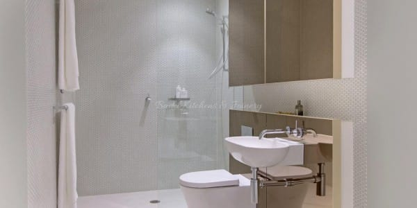 Modern style bathroom with Glass shower walls