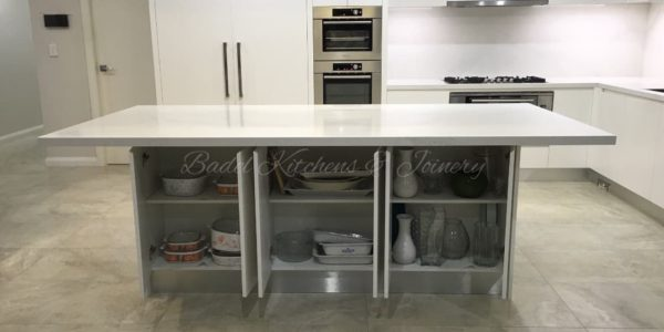 Kellyville kitchen island and oven