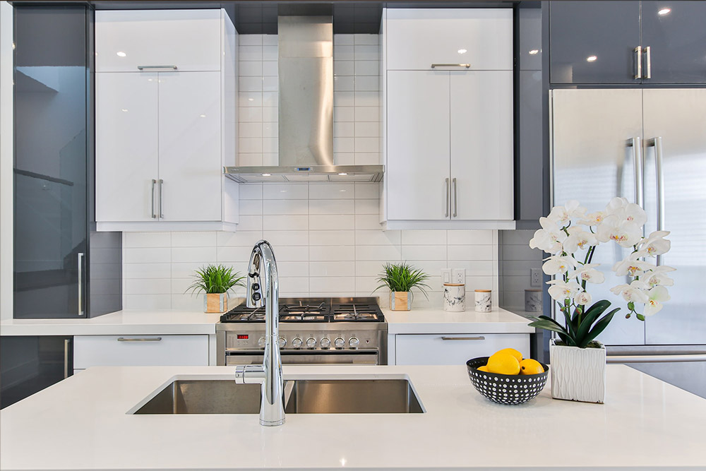 how much does a budget kitchen makeover cost?